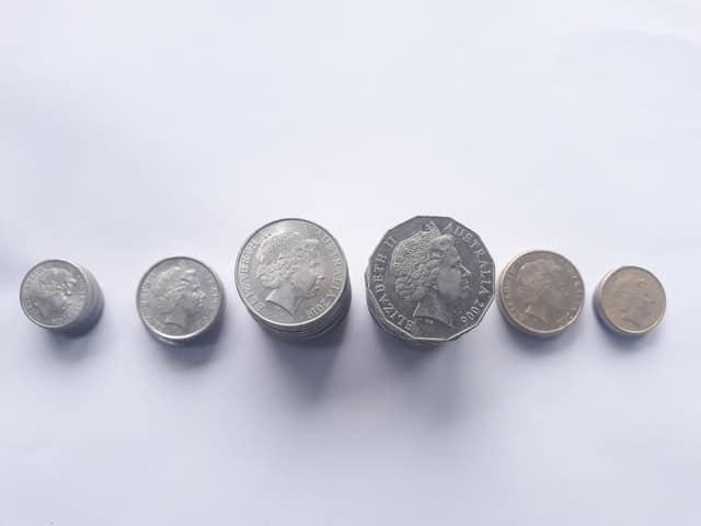 אוסף מטבעות מתקופות שונות - תמונה לדוגמה
